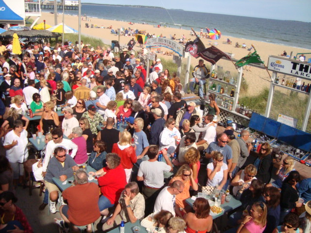 The Brunswick in Old Orchard Beach promises live music on the patio – weather permitting, of course – every afternoon and evening from mid-June through Labor Day, and there's no cover charge.
