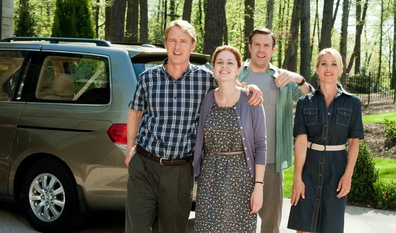 Owen Wilson, left, Jenna Fischer, Jason Sudeikis and Christina Applegate and a fine supporting cast help