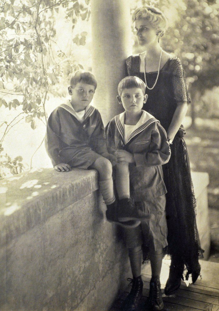 This picture shows Norman Morse, age 4, sitting on a porch wall beside his older brother, Francis, and mother, Rosamond, in 1924, when the family lived in Pittsfield, Mass. They later moved to Fairfield, Conn., where he lived until retiring to Maine in 1988.
