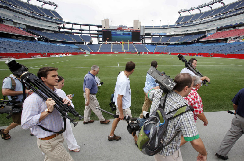 With players arriving at Gillette Stadium this week in anticipation of today s formal opening of training camp, members of the media are also showing up for work.