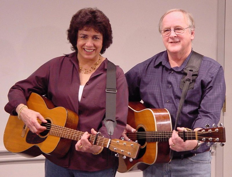 Folk Duo Bob Simons and Renee Goodwin will perform a free concert on Saturday at York Public Library.