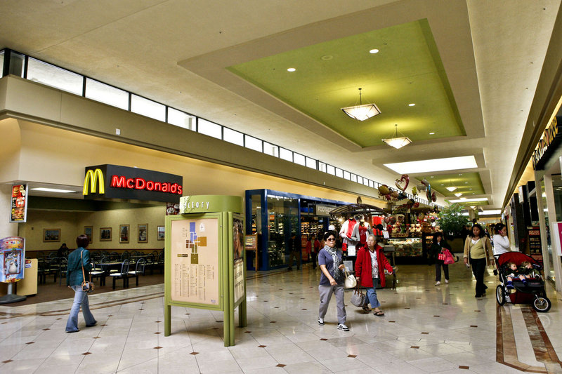Malls worldwide are embracing technology and the Internet to draw customers and keep tenants who are turning more to online retailing.