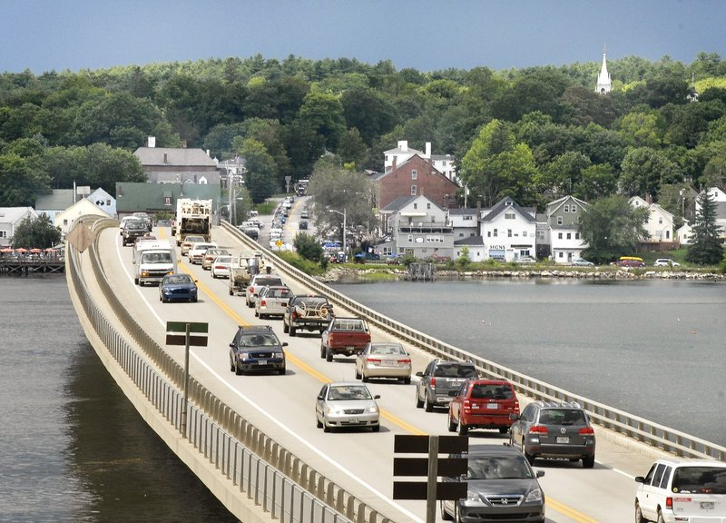 Traffic remains heavy on the Route 1 bridge in Wiscasset, and a reader sees it as something to avoid.