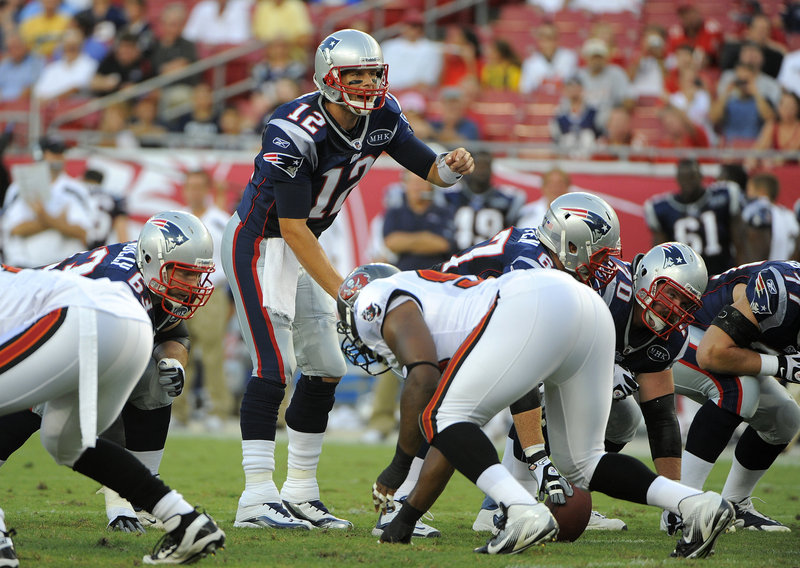 Tom Brady likes to maintain an up-tempo pace while leading the Patriots' offense, putting pressure on defenses to be ready at all times.