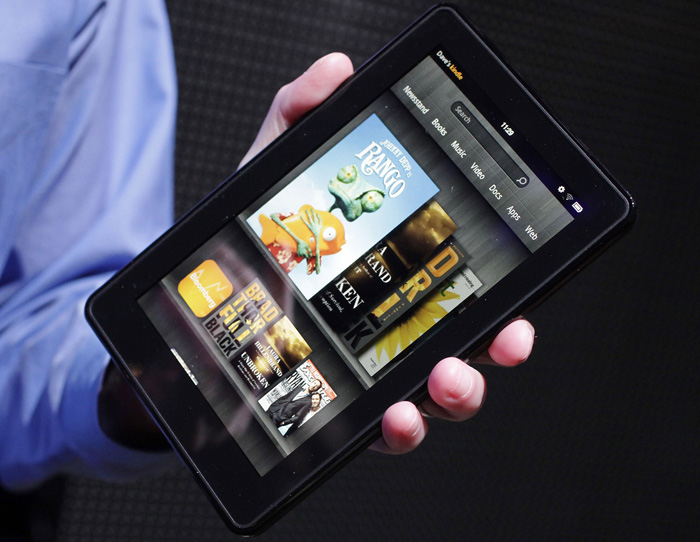 The Kindle Fire, an e-reader and tablet with a 7-inch multicolor touchscreen, will go on sale for $199 on Nov. 15.