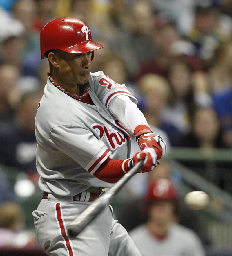 Wilson Valdez hits an RBI-double during the sixth inning of the Phillies' 7-2 win over the Brewers on Thursday.