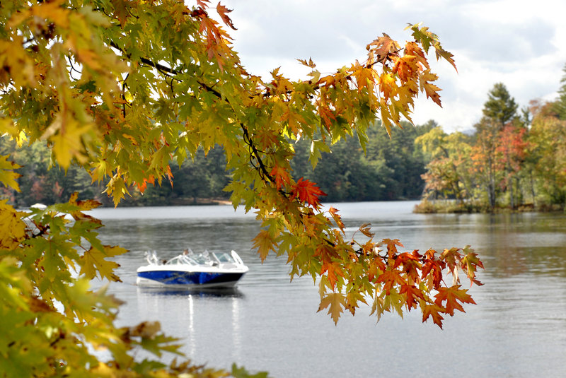 Bright foliage gives fall boaters another reason to wear extra layers and venture out.