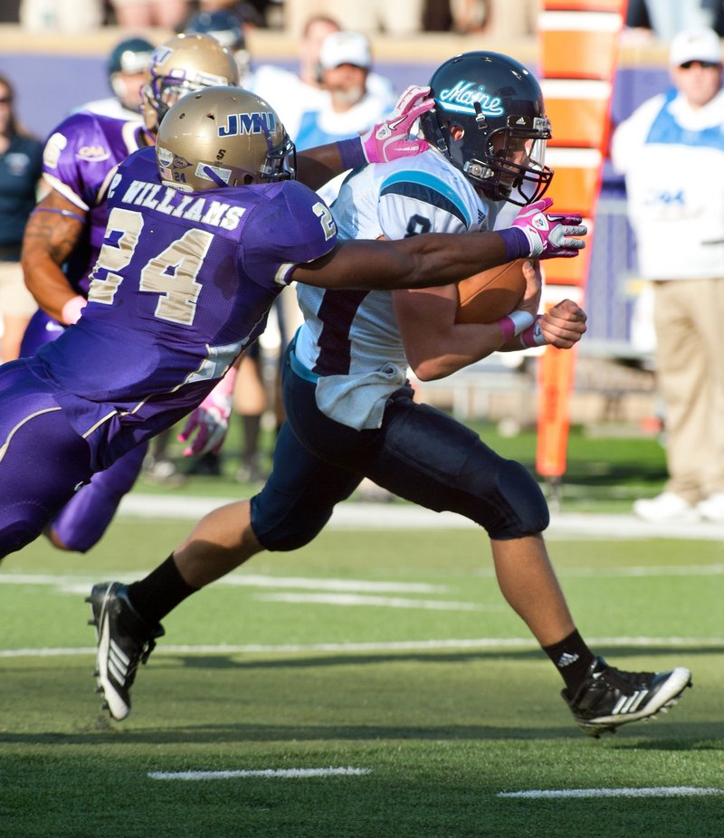 Maine quarterback Warren Smith was the leader Saturday as the Black Blacks continued their national rise with an overtime victory at James Madison.