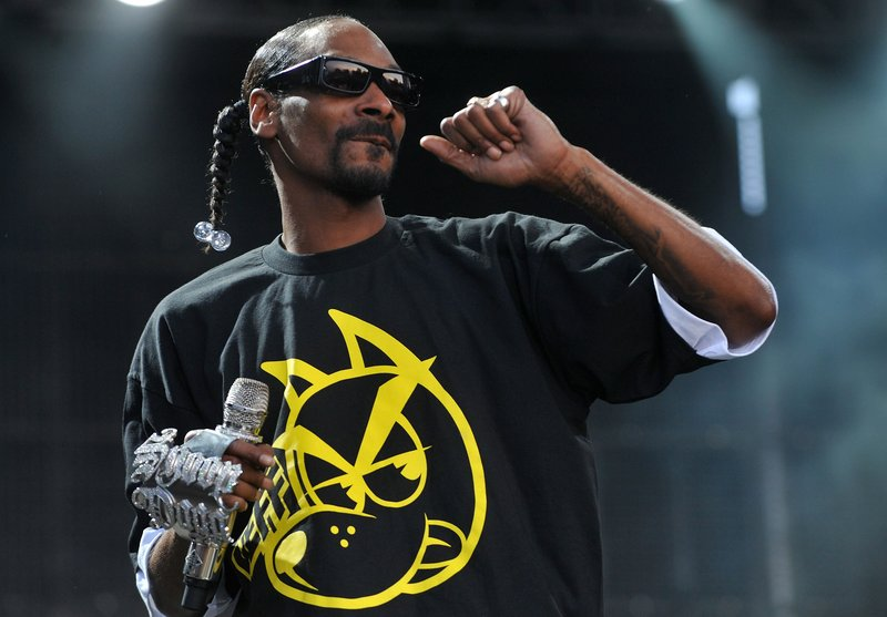 Hip-hop artist Snoop Dogg is one of the celebrities who have been paid to promote a product on Twitter. He tweets about the Toyota Sienna minivan. Other stars include actress Tori Spelling tweeting about rental cars and reality TV star Khloe Kardashian who pushes a brand of jeans.
