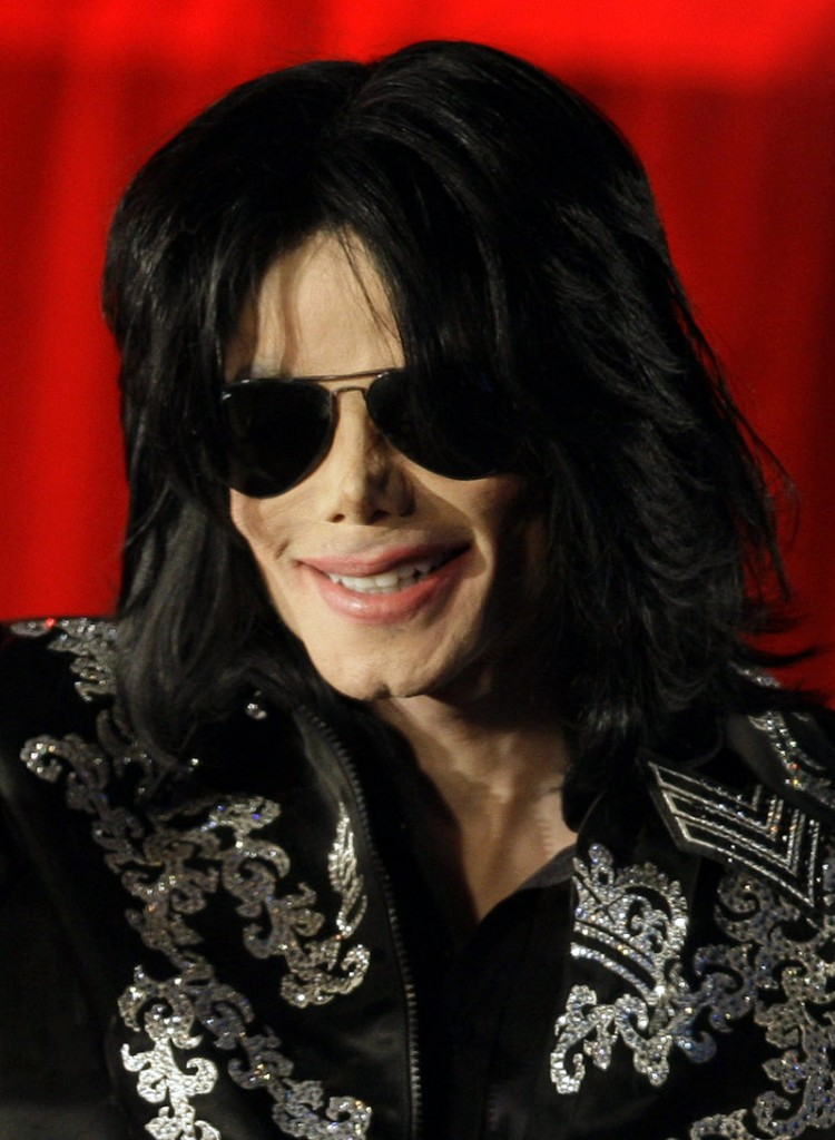 Michael Jackson began using propofol as early as 1999, a friend says in a new book.