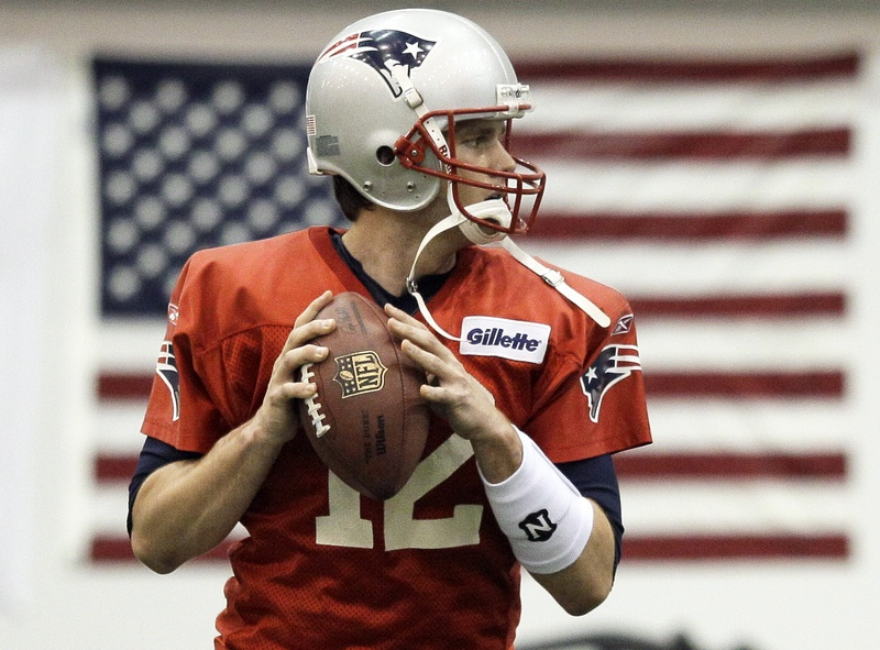 Tom Brady would tie Joe Montana and Terry Bradshaw as quarterbacks with four Super Bowl titles if the Patriots can beat the Giants.
