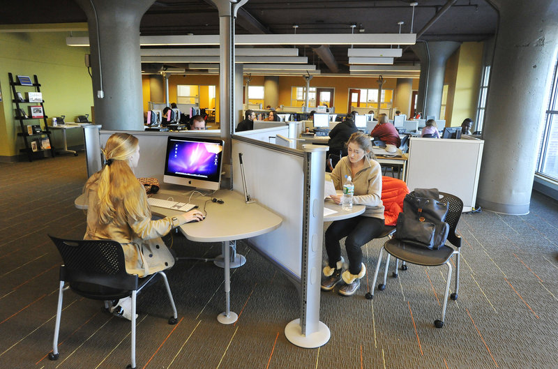 The libraries at the University of Southern Maine campuses in both Portland and Gorham have created Learning Commons equipped with new technology and renovated spaces. Computer work stations in the new learning common offer both PC and Mac computers.