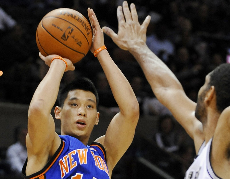 The New York Knicks announced Saturday that point guard Jeremy Lin needs knee surgery that will keep him out for six weeks.