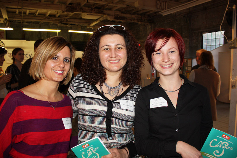 Volunteers Maggie Ivanova, Bistra Nikiforova and Anna-Lena Phillips.