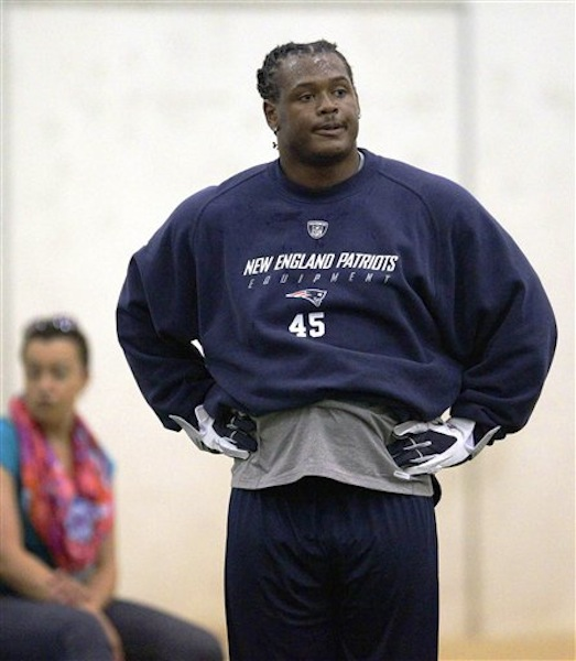 New England Patriots rookie linebacker Dont'a Hightower catches his breath during NFL football rookie minicamp at the team's facility in Foxborough, Mass., Friday, May 11, 2012. (AP Photo/Stephan Savoia)