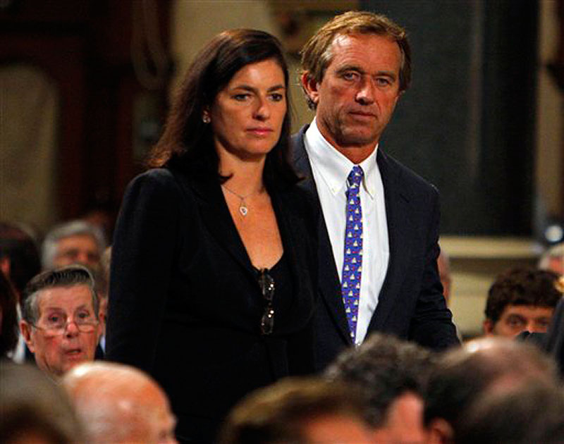 In this Aug. 29, 2009 file photo, Robert F. Kennedy Jr. and his wife Mary arrive during funeral services for U.S. Senator Edward Kennedy at the Basilica of Our Lady of Perpetual Help in Boston. An attorney on Wednesday, May 16, 2012 said Mary Kennedy has been found dead on Robert F. Kennedy Jr.'s property in Bedford, N.Y. (AP Photo/Brian Snyder, Pool, File)