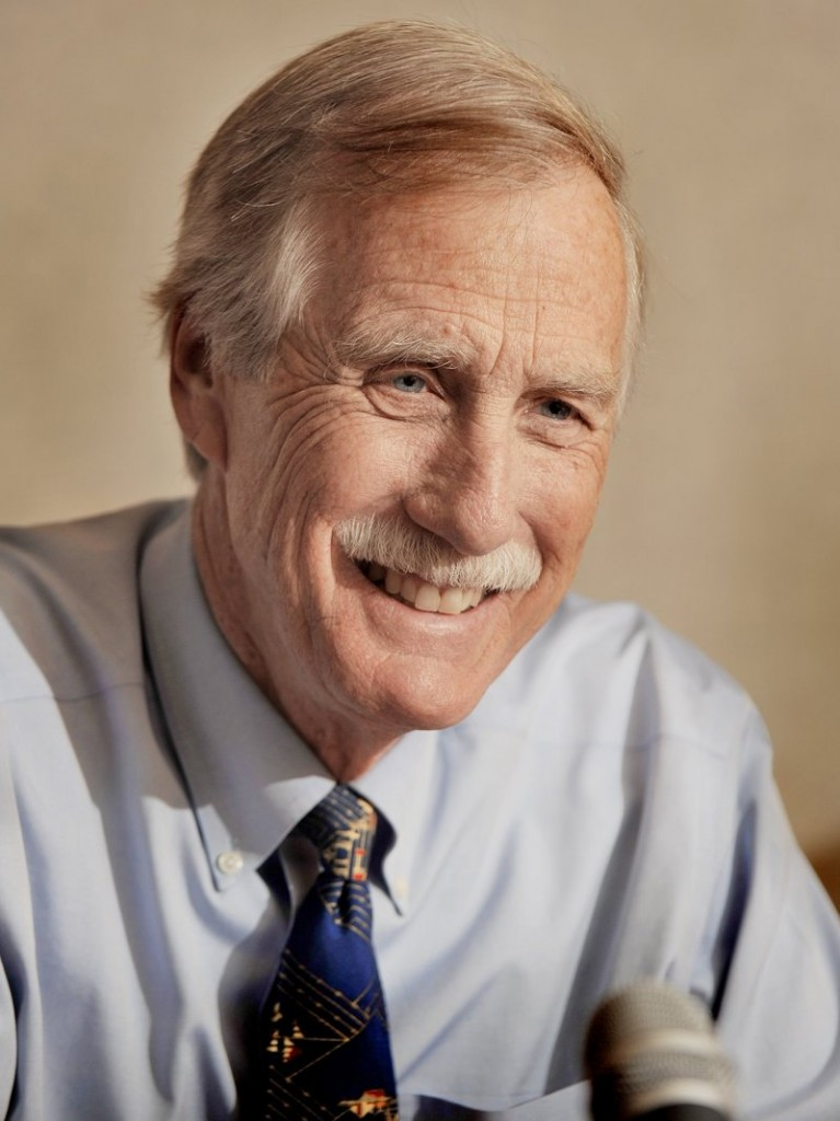 """""""That's the theme – common sense and problem-solving, not worrying about which color shirt someone has on or which team someone is on,"""" said former Gov. Angus King, an independent candidate for U.S. Senate."""