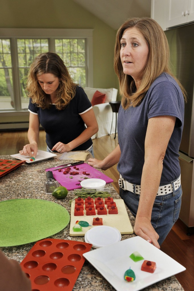 Amy Sirois, left, and Tracy Palm are hoping to capitalize on the growing popularity of jelly shots.