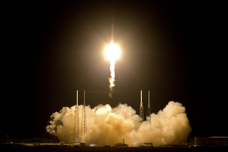 The private commercial space effort is launched Tuesday as the SpaceX Falcon 9 rocket lifts off from launch complex 40 at the Cape Canaveral Air Force Station in Cape Canaveral, Fla.