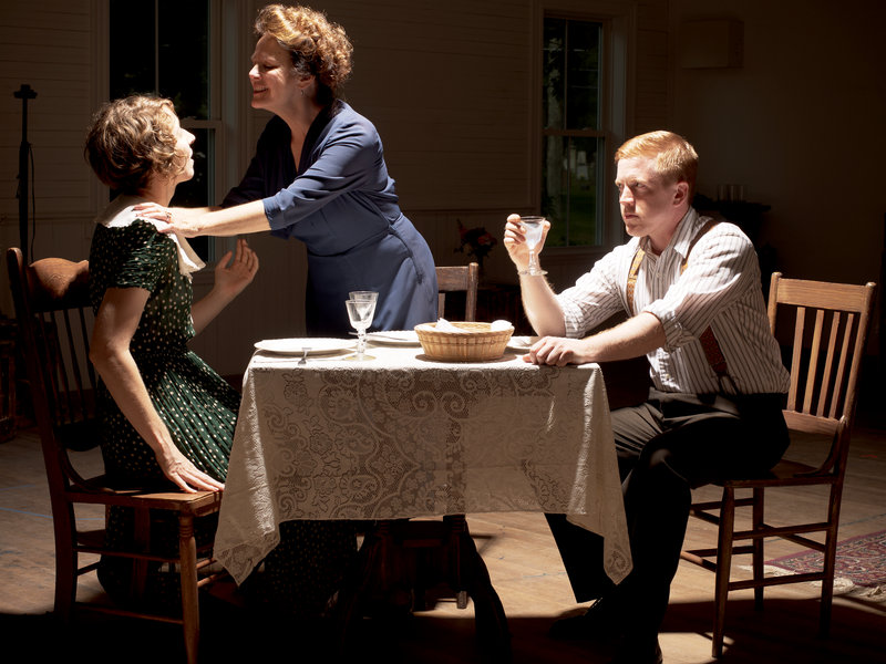 """Ambien Mitchell, Janis Lynn Stevens and Dustin Tucker as Laura, Amanda and Tom in """"the Glass Menagerie."""""""