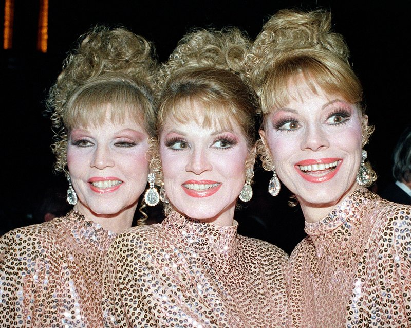 Dorothy McGuire, right, is shown with her sisters Christine, left, and Phyllis at a New York performance in 1986.
