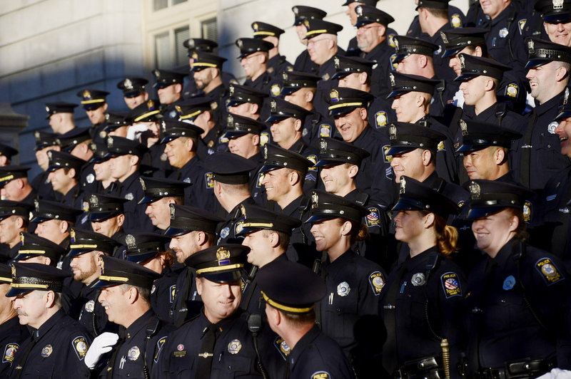 To stay true to the earlier photo, officers wore gloves and their day uniforms rather than dress blues.