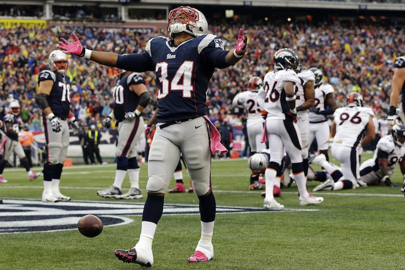 New England Patriots running back Shane Vereen (34) celebrates his touchdown against the Denver Broncos in the second quarter of an NFL football game, Sunday, Oct. 7, 2012, in Foxborough, Mass. (AP Photo/Elise Amendola) NFLACTION12;