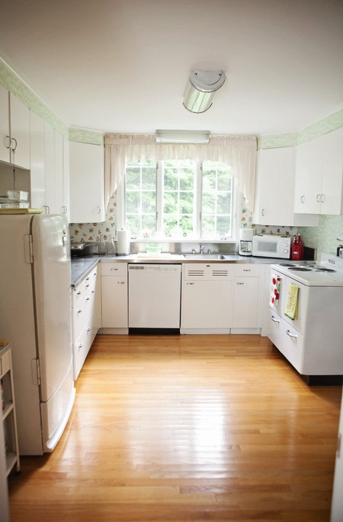 Linda Bean's 1940s-era kitchen is on the Oct. 13 kitchen tour in Freeport, which will benefit Greater Portland habitat for Humanity.