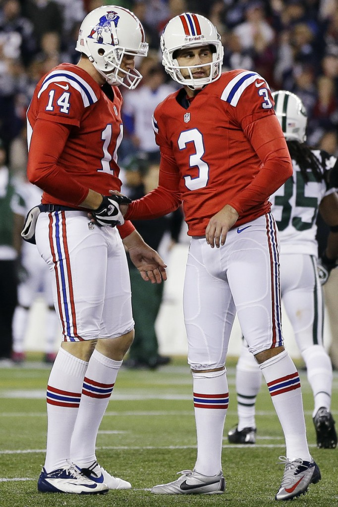 Stephen Gostkowski, right, played in London in 2009 with the Pats and had a great experience, and also left with a victory.