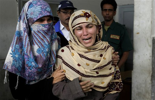 Rukhsana Bibi, center, mourns for her daughter, polio worker Madiha Bibi, killed by unknown gunmen, at a local hospital in Karachi, Pakistan. Many Islamists, including Taliban militants, have long opposed the campaign. Some say it aims to sterilize Muslims, while one militant commander said it could not continue unless attacks by U.S. drone aircraft stopped.