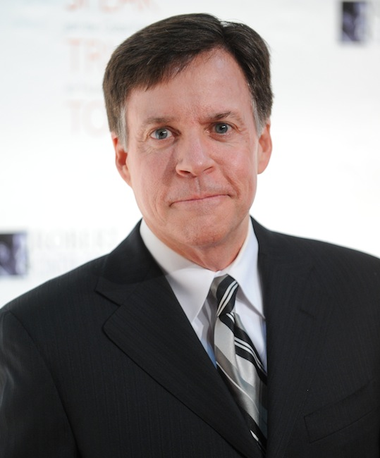 "This Nov. 17, 2010 file photo shows sports commentator Bob Costas at the Robert F. Kennedy Center for Justice and Human Rights 2010 Ripple of Hope Awards Dinner at Pier Sixty in New York. Costas' ""Sunday Night Football"" halftime commentary supporting gun control sparked a Fox News Channel debate Monday, Dec. 3, 2012, on whether NBC should fire him. The NBC sportscaster, who frequently delivers commentary at halftime of the weekly NFL showcase, addressed the weekend's murder-suicide involving Kansas City Chiefs linebacker Jovan Belcher. (AP Photo/Evan Agostini, file) Headshot"