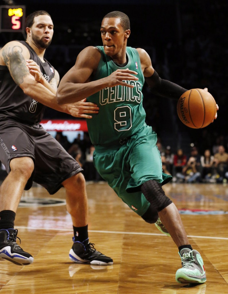 Rajon Rondo, who was ejected in the most recent game against Brooklyn, finished with 19 points this time for the Celtics.