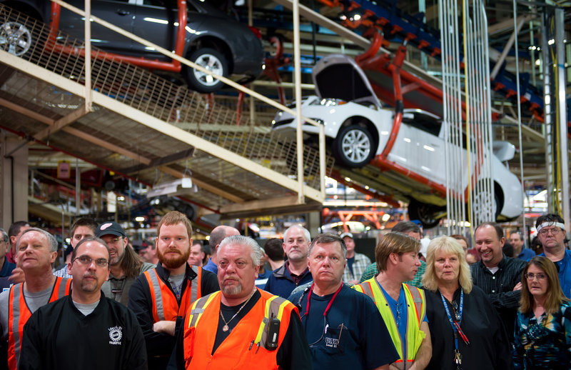 "General Motors employees in Kansas City, Kan., listen to GM CEO Dan Akerson announce a $600 million investment in the plant Jan. 28. Anecdotal evidence suggests manufacturing employment is getting a boost from ""in-shoring."""