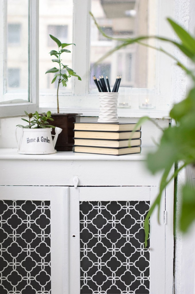 This Eastern Lattice Moroccan stencil adds interest to a piece of painted furniture. Stencil by Royal Design Studio.