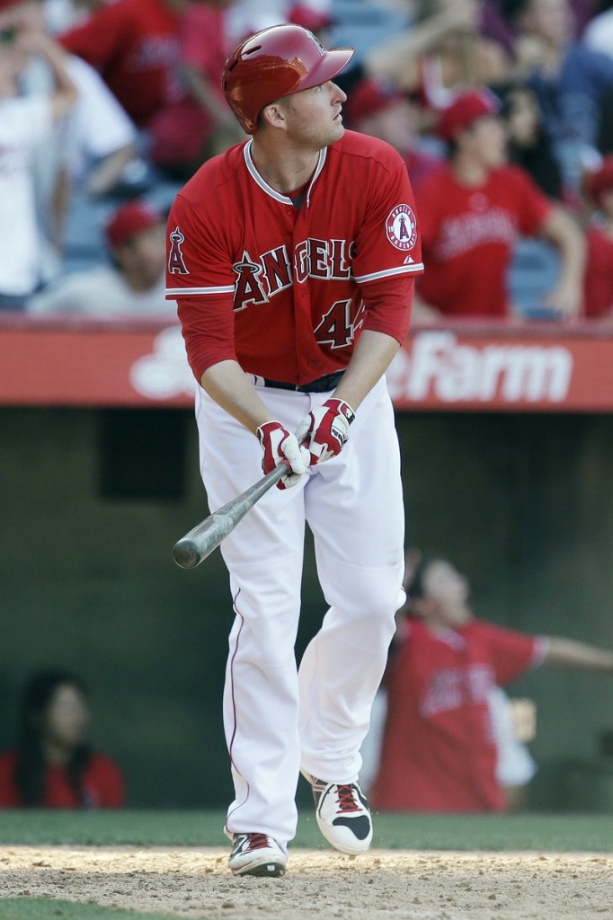 Mark Trumbo of the Angels watches his solo home run in the 13th inning that gave Los Angeles a 4-3 win over the Detroit Tigers.
