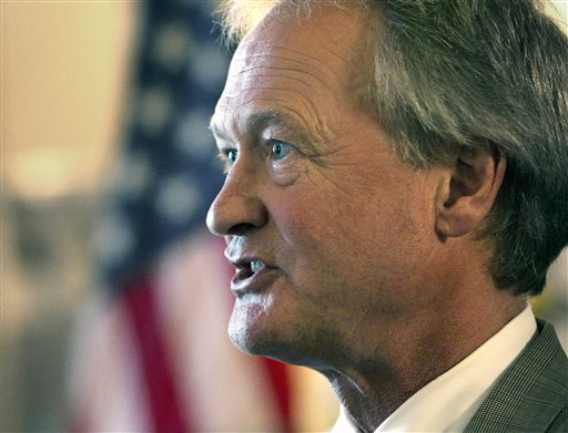 Following Rhode Island Gov. Lincoln Chafee's formal party switch Democrats will hold the governorships of 20 states, compared with 30 states with GOP governors.