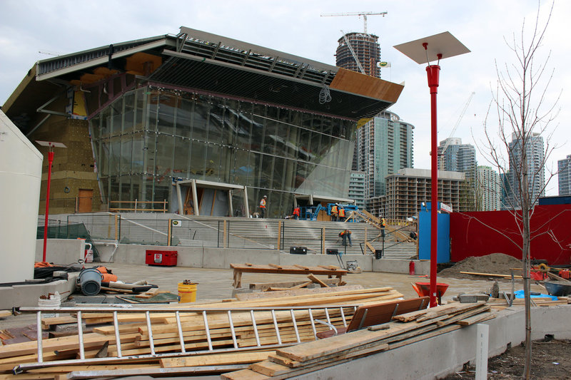 Ripley's Aquarium, one of the many construction projects in Toronto, will feature a tunnel walkway in a shark lagoon.