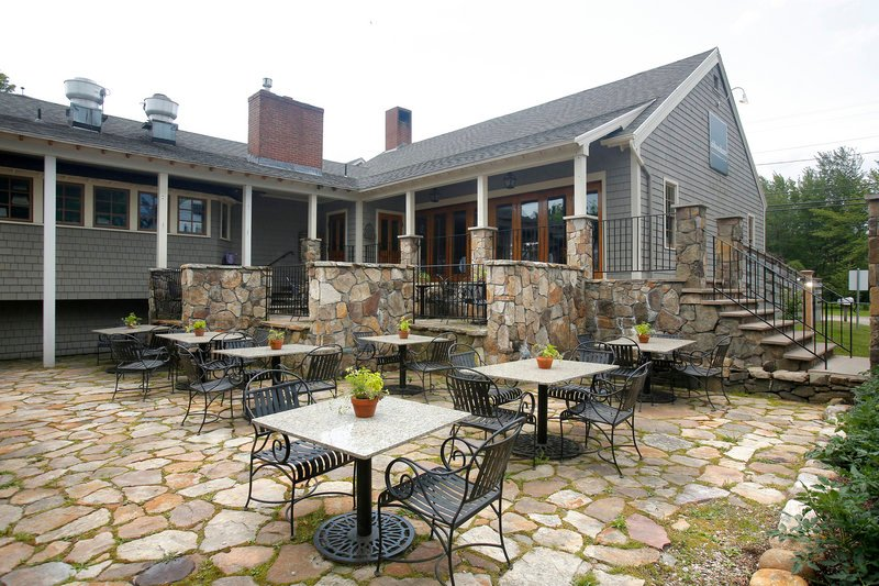 Abbondante Trattoria and Bar occupies the former site of Grissini at 127 Western Ave. in Kennebunk. The space is interesting and varied, and the staff is friendly.