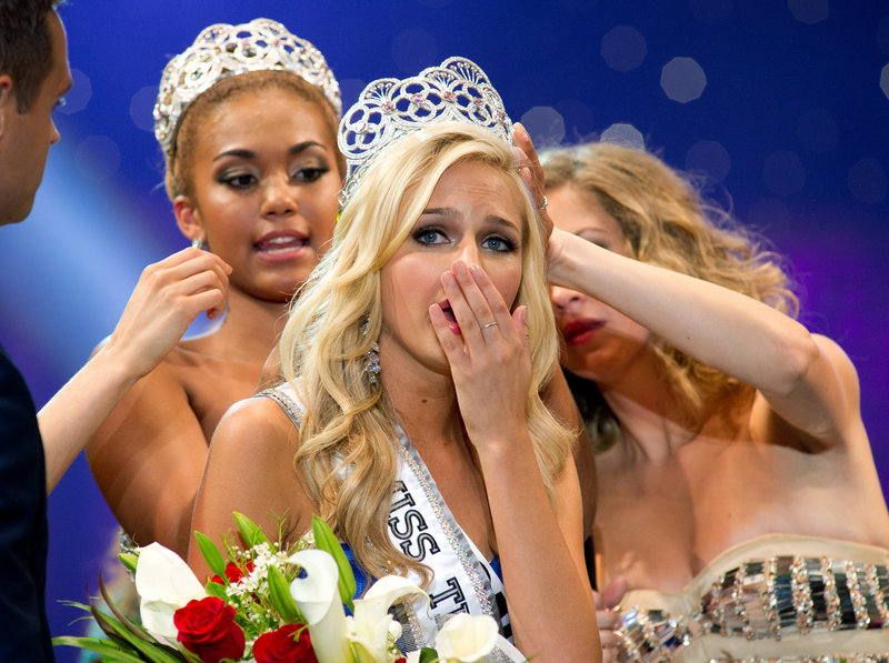 Cassidy Wolf is crowned Miss Teen USA.