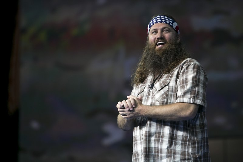 "Willie Robertson of ""Duck Dynasty"" told a couple getting married at a Pennsylvania Field & Stream store to always forgive each other."