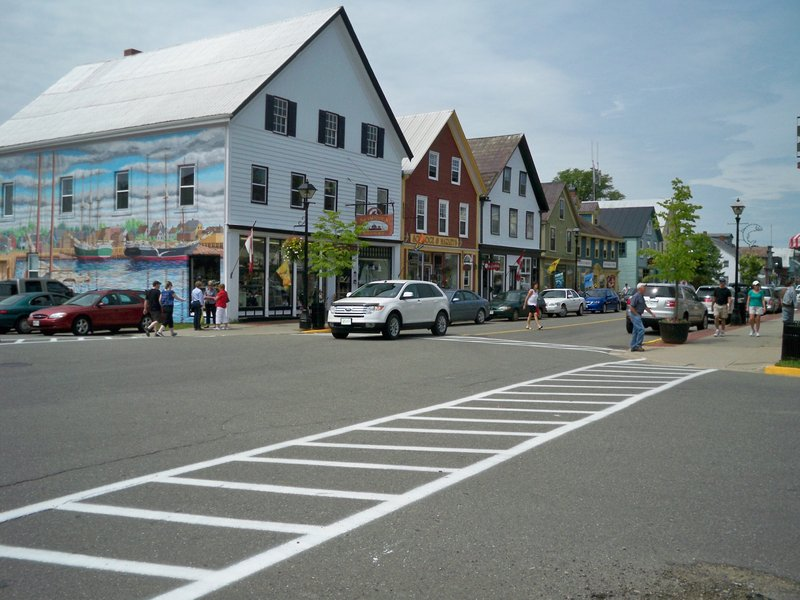 The historic downtown district in St. Andrews, New Brunswick, is a popular area for shopping and hosts numerous seafood restaurants.