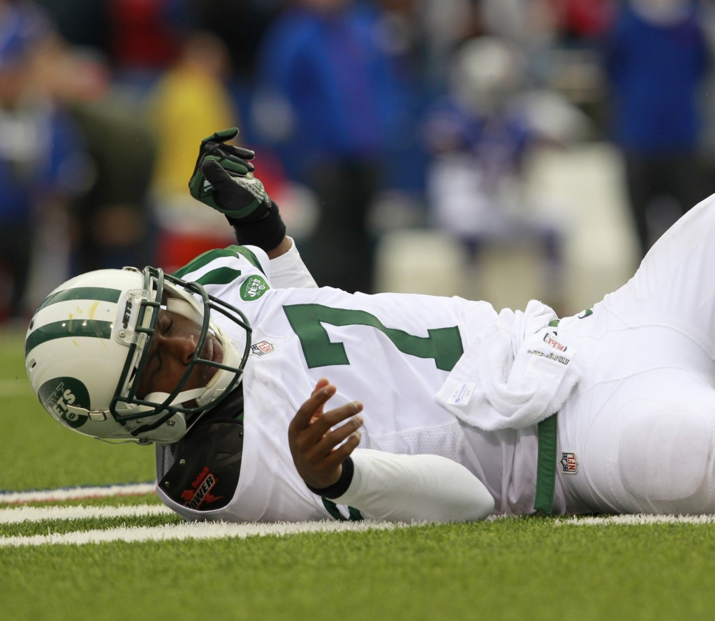 Geno Smith will be hoping to avoid an abundance of turnovers at quarterback and help the New York Jets get off the ground as his rookie season heads into December.
