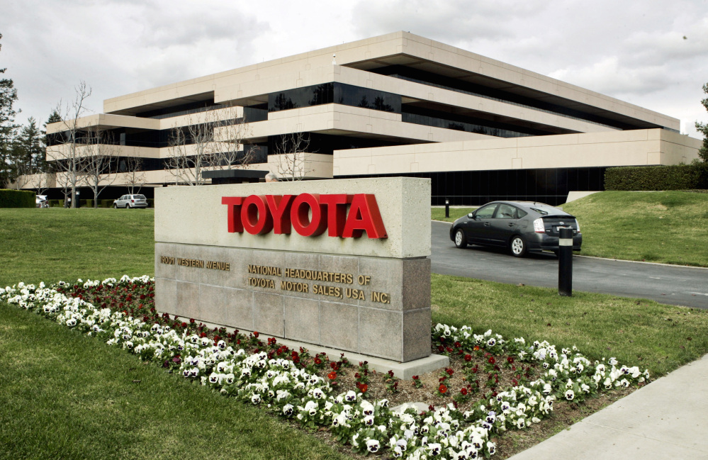 Toyota, with offices in Torrance, Calif., will seek to settle 375 lawsuits over alleged acceleration problems.