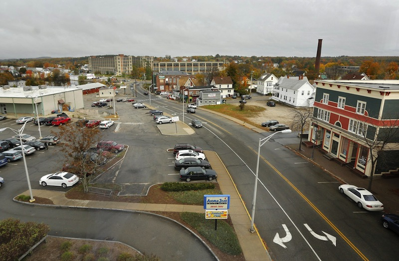 """This October 2012 file photo shows Washington Street in Sanford. A team of nationally known consultants whose client list includes Walt Disney World and Six Flags say that the concept of building a four-season theme park and resort in Sanford has """"real merit."""""""