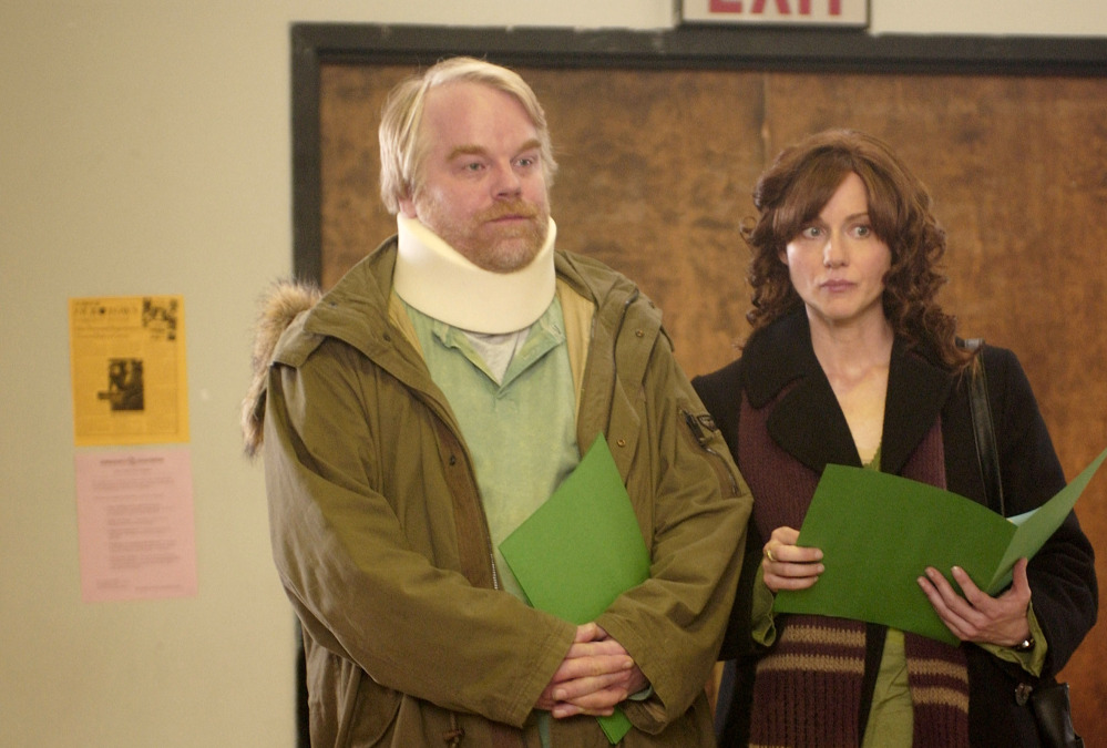 """Hoffman with Laura Linney in """"The Savages"""""""