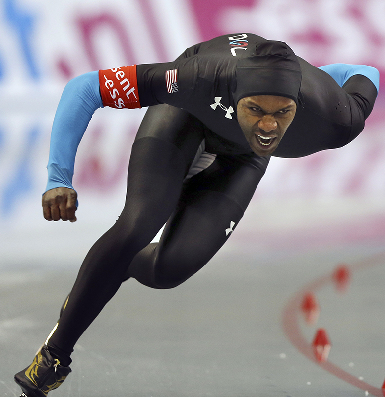 Shani Davis of the United states skates in the men's 1,000 meters race at the World Sprint Speed Skating Championships in Nagano, central Japan, Saturday, Jan. 18, 2014.