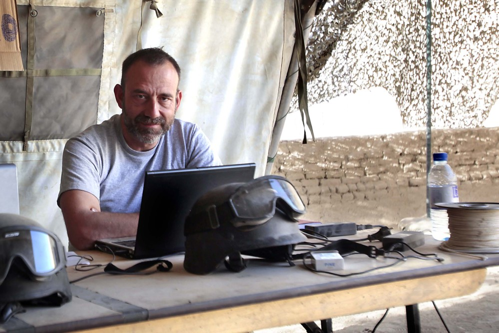 Journalist Marc Marginedas who was kidnapped by al-Qaida-linked militants in Syria, crossed the border into Turkey on Sunday his newspaper reported.