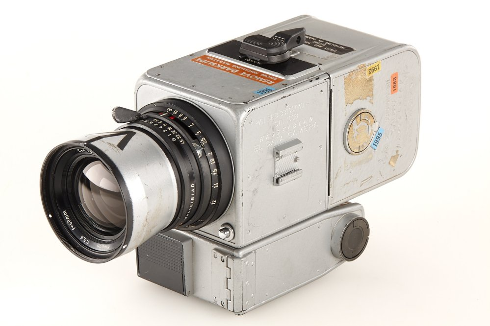 This photo provided by Galerie Westlicht in Vienna shows a Hasselblad 500 camera that was part of the equipment carried by the 1971 Apollo 15 mission. Westlicht identifies the new owner as Japanese businessman Terukazu Fujisawa.