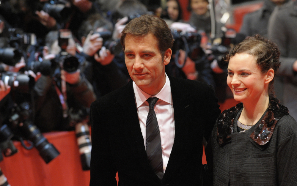 British actor Clive Owen has starred with beautiful leading ladies such as Angelina Jolie and Julia Roberts, but only one actress holds the key to his heart, his wife, Sarah-Jane Fenton. The couple have been married for almost 20 years.