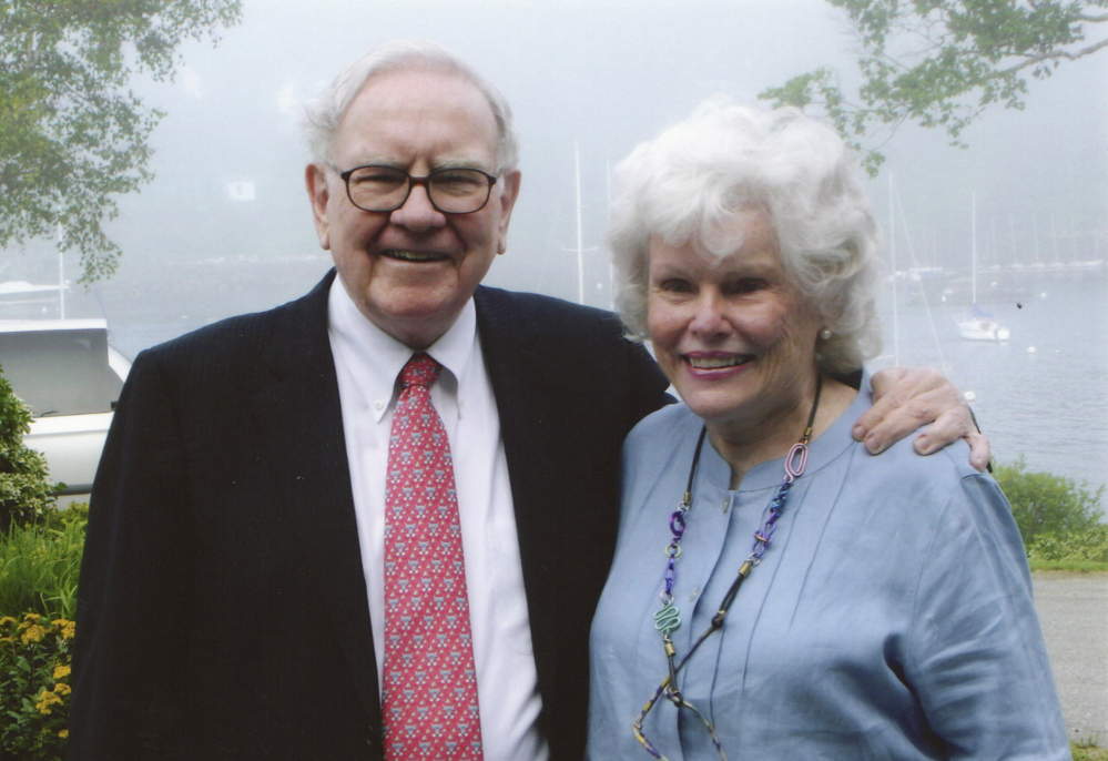 Warren Buffett and sister Doris Buffett